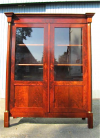 11. Антикарный Книжный шкаф. Ампир. 1840 год. 176x143x46 см. Цена 3700 евро.