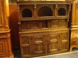 19. Антикарный Посудный шкаф. Около 1800 года. 185x52x194 см. Цена 3500 евро.