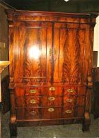 26. Антикарный Шкаф. 1810 год. 208x143x55 см.