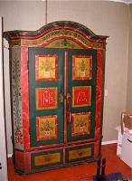 33. Антикарный Шкаф платяной. Прованс. XIX век.. 200x120x45 см. 4000 евро.