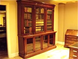 56. Старинный Книжный шкаф. 1850 г. 215x237x50 см
