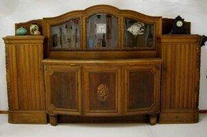 Большой антикварный шкаф (сервант) с выдвижными мраморными столешницами. 360х210х80 см. Цена 3900 евро