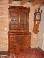 Антикварная Горка. Около 1820 года. 225x110x50 см. Цена5000 евро