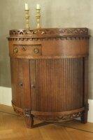 Антикварный полукруглый низкий шкаф с роликовыми дверцами. Дуб. 1920 г. 82x78 см. Цена 475 евро