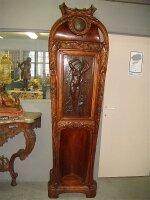 Антикварный Шкафчик с часами Арт-нуво (модерн). Высота 225 см. Цена 10000 евро