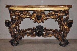 17. Антикварный Консольный столик. Около 1800 года. 89x150x60 см.