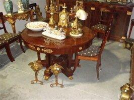 9. Антикварный Комплект: круглый стол - 125x75 см и 8 стульев 19 век. Цена 5500 евро.