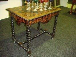 Антикварный Стол с маркетри. Около 1800 г. 93x62x77 см. 4500 евро