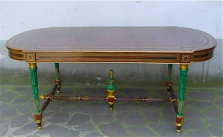 Старинный стол 19 века.