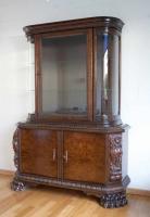 16. Антикварная Витрина. Около 1920 года. 176x130x45 см.
