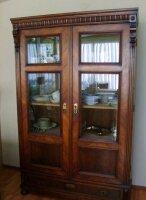 Антикварный Резной шкаф-витрина. 185x115x50 см. Цена 1350 евро