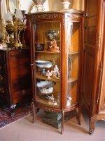 Антикварная Витрина. Около 1900 г. 66x32x140 см. Цена 2500 евро