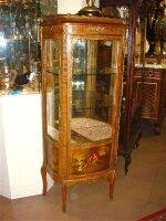 Антикварная Витрина 19 век. 68x33x147 см. Цена 3000 евро